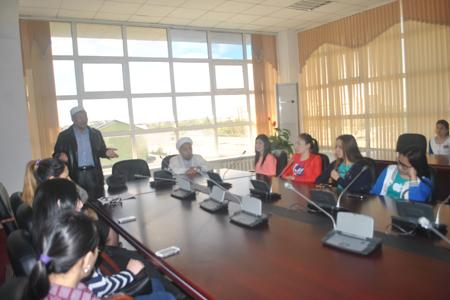 Қожа Ахмет Иассауидің «Диуани хикмет» кітабы бойынша оқырмандар конференциясын ұйымдастырды.